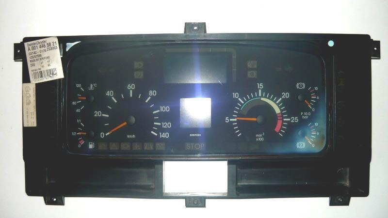 přístrojová deska Mercedes-Benz